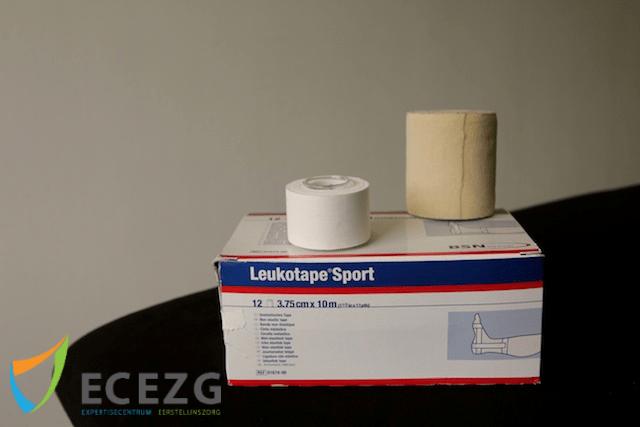 1. Leukotape Sport en Gasofix (8cm)