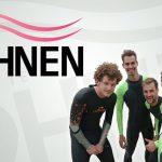 """Het team """"Niet droog te föhnen"""" waarmee Jelle de Groningen Swim Challenge aan gaat"""